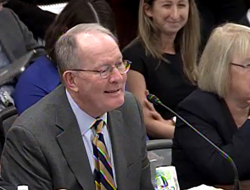 Sen. Alexander (R-TN) complimenting Sen. Murray (D-WA) once again, during his closing remarks following committee passage of the conference report.